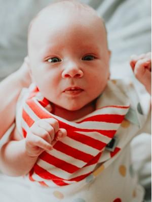 Eșarfă pentru bebelusi în dungi, din bumbac organic