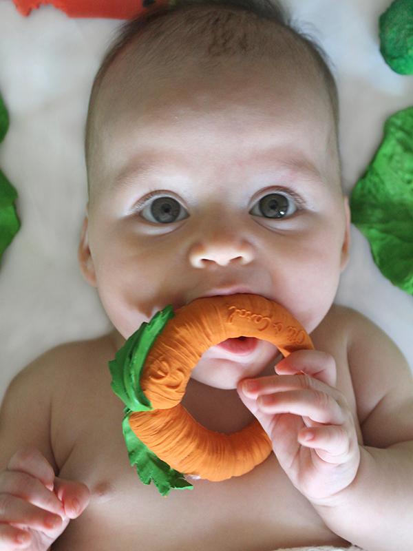 Morcovelul Cathy, jucărie pentru dentiție