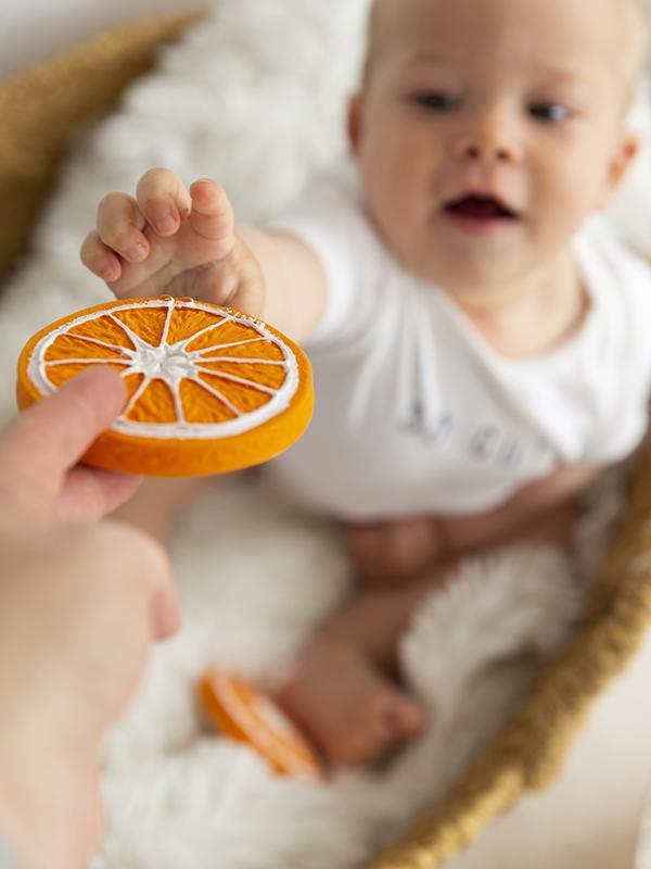 Clementino cel portocaliu, jucărie pentru dentiție